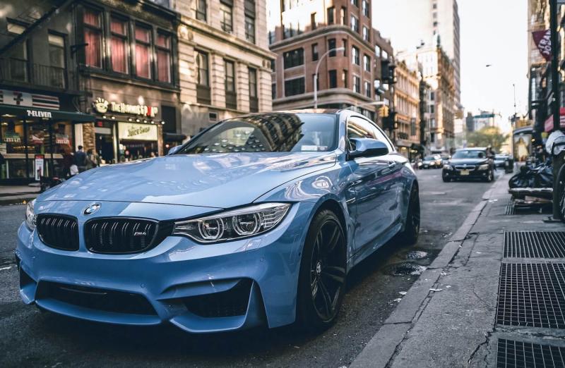 Samochód BMW a cena OC