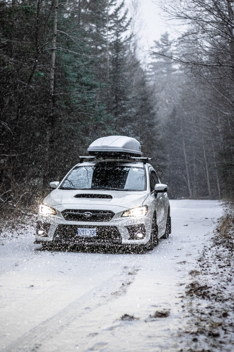 Samochód w śniegu