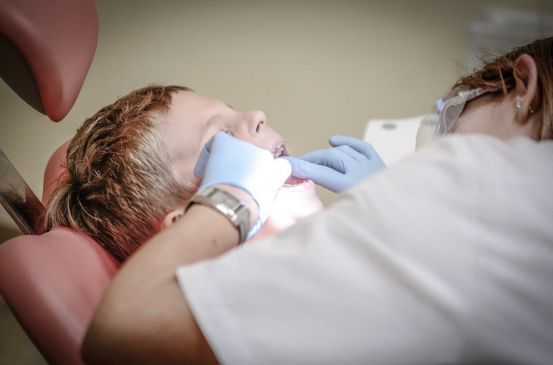 Dentysta i dziecko