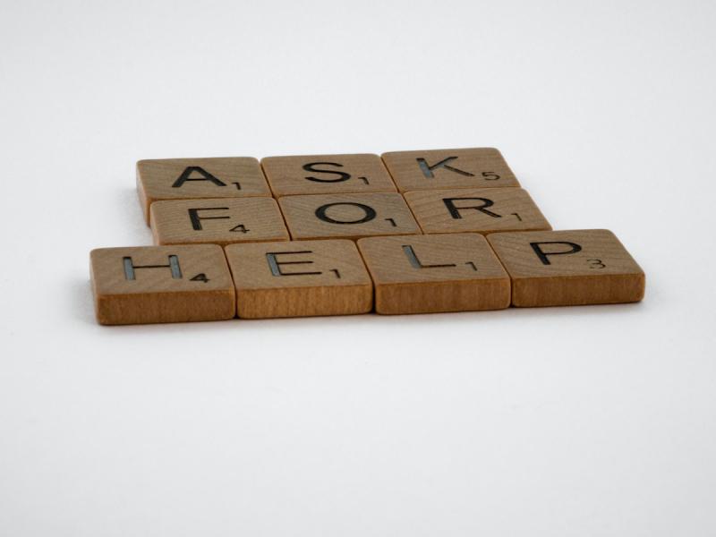 Proszenie o pomoc