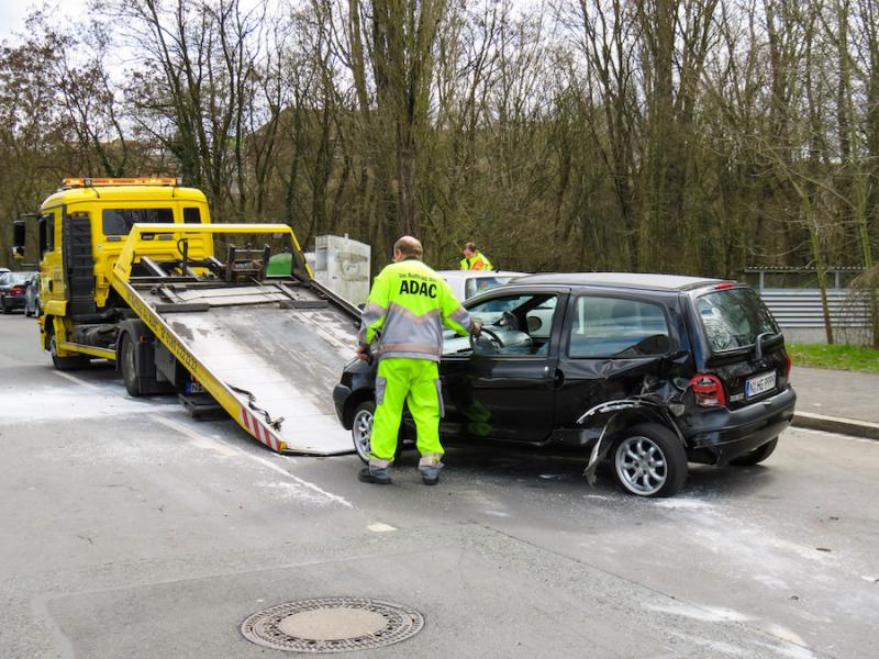 Pomoc drogowa po wypadku samochodowym